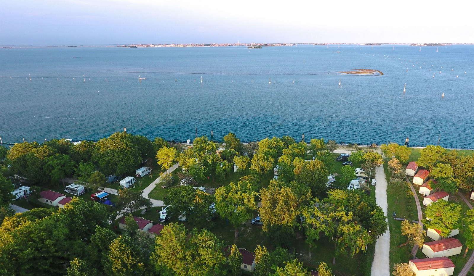 Vista dall'alto del Camping Fusina a Venezia