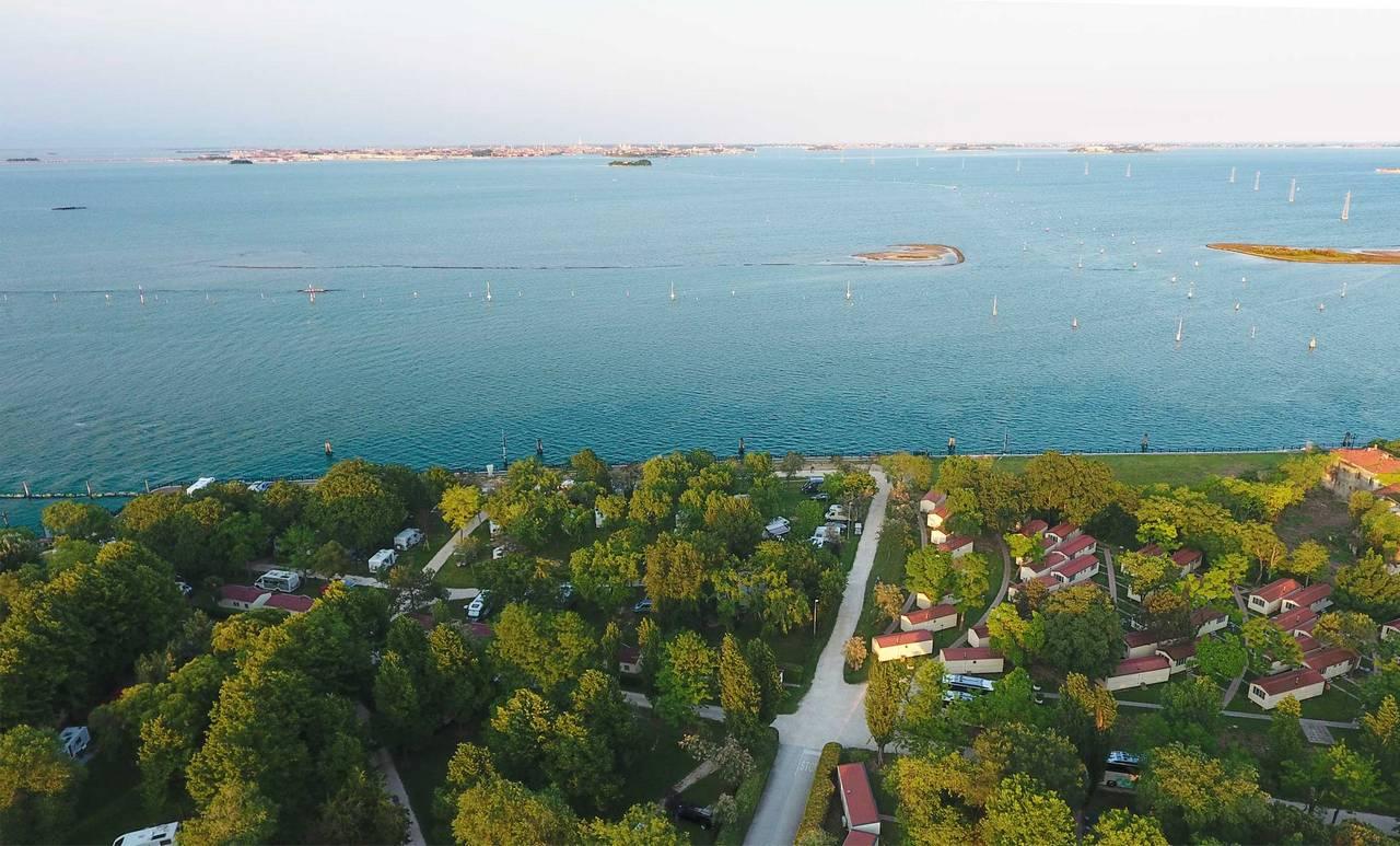 Vista di Venezia dal Camping Fusina