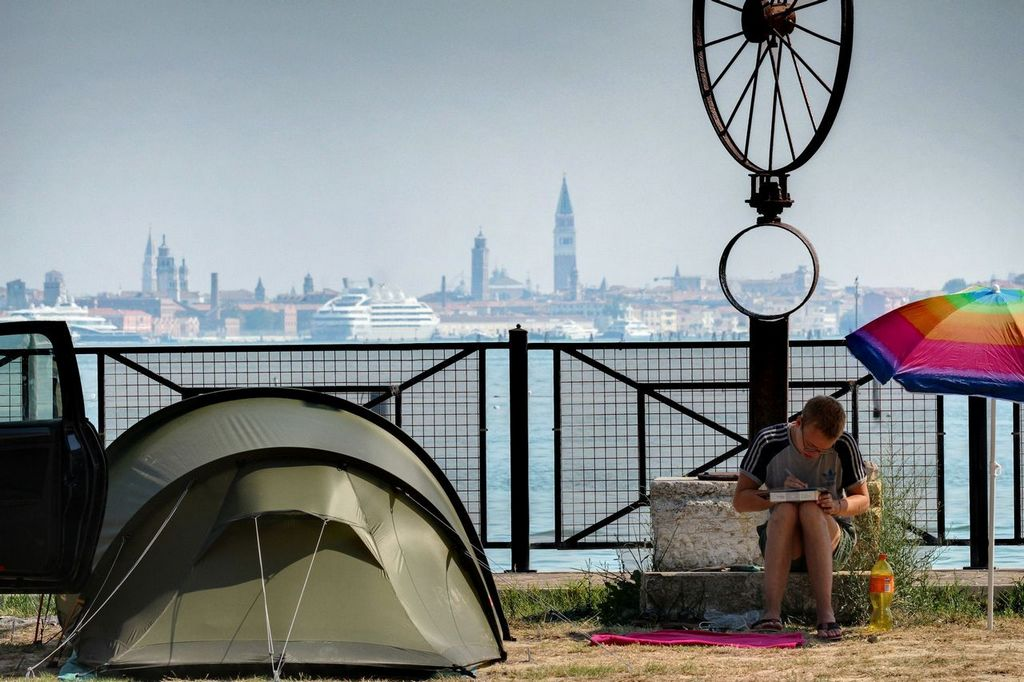 Tent pitches in Venice